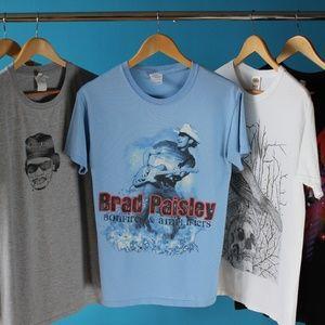 Official Brad Paisley Bonfires & Amplifier T-Shirt